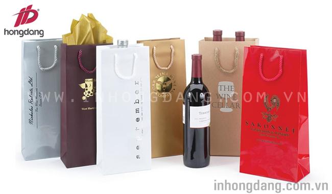Mẫu túi giấy đựng rượu đơn giản và sang trọng